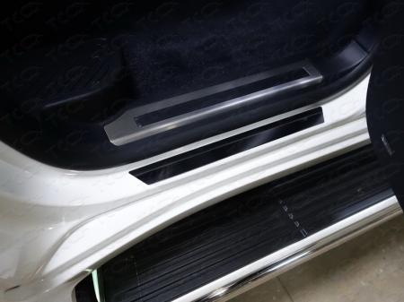 Toyota Land Cruiser 200 2015 Накладки на пороги (лист зеркальный)